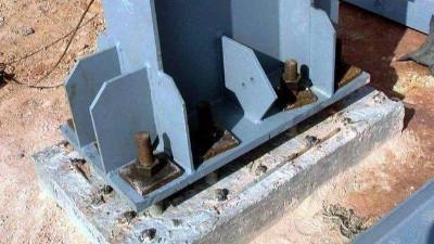 地脚螺栓安装时为什么不能倾斜?