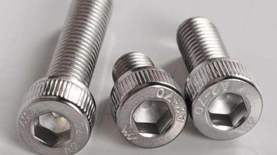 u型螺栓生产厂家谈不锈钢螺栓
