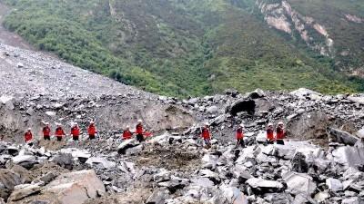 成昆铁路甘洛崩塌后续:发现12具疑似失联人员遗体