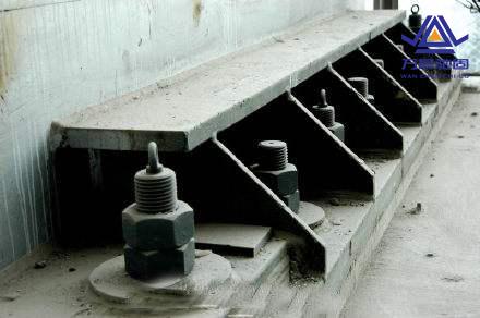 钢结构地脚螺栓链接焊接区别及防锈漆施工