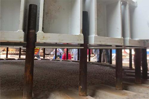 标准裙座地脚螺栓尺寸错误介绍
