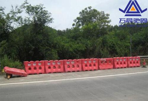 高速螺栓安全设施