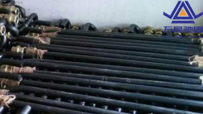 热镀锌地脚螺栓的集中表面处理工艺